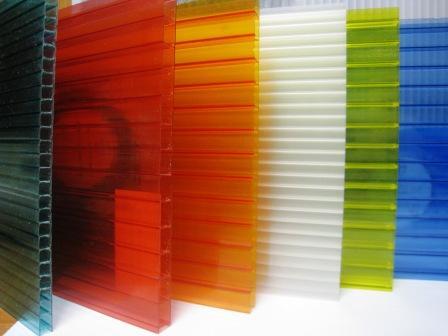 Поликарбонат сотовый и монолитный марки Makrolon® производства компании Bayer Sheet GmbH  (Германия).